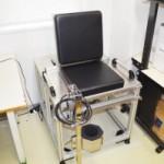 膝伸展力測定治具