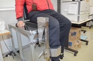 2膝伸展力測定治具