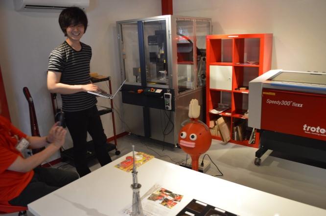 140708よしもとロボット研究所工場見学 (1)