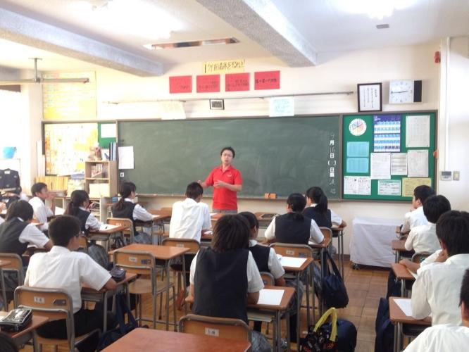 140916吾嬬立花中学校「ようこそ!地域の先輩」授業 (2)