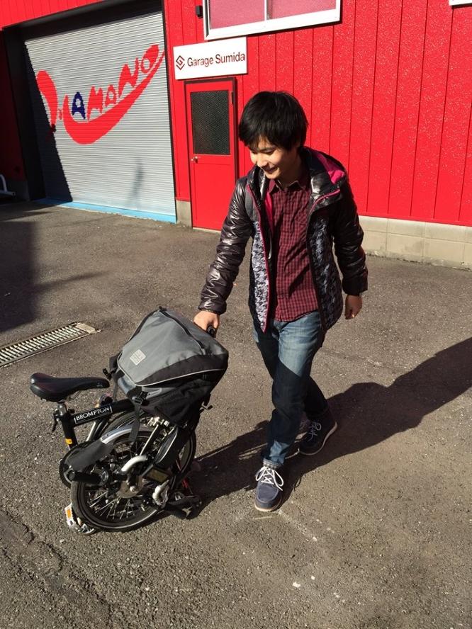 141219首都大学東京・嘉数さん折りたたみ式電動バイク「ORIVE」